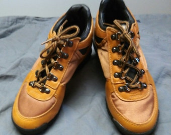SALE!! Sturdy, tan hiking boot.Leather and water proof material uppers. Traction soles.Circa 1970's. Never Worn.Sz 2,3 1/2,4 med