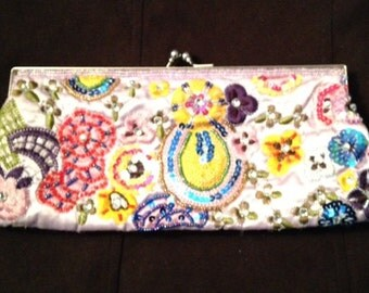 Beaded Lavender Pink Clutch Purse