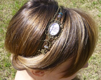 Headband cabochon love birds dan sun tree pink and blue on a white background, retro hairstyle, former and chic bohemian style
