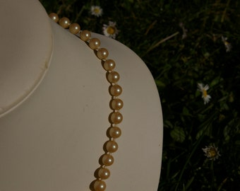 Pearl fancy vintage with its coordinated clasp necklace