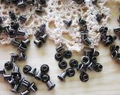 200 pcs of 4 mm Metal round eyelet Studs - Gun Metal