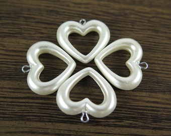 Vintage Faux Pearl Heart Charms (16x) (P505)