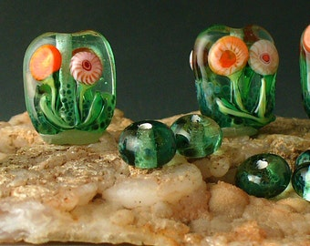 Glass Lampwork Beads by Catalinaglass SRA  Windowbox Flowers