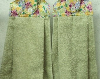 SET of 2 - Hanging Cloth Top Kitchen Hand Towels - Floral Print Celery Green Towels
