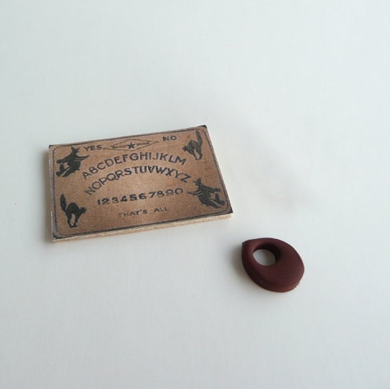 Dollhouse Miniature Ouija and Planchette - Wizard Witch Sorcerer Fairy Gypsy