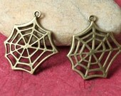 Closeout Antique brass spider web charm drop dangle size 22x22mm, 6 pcs (item ID YD2563N)