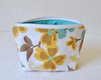 6 x 9 Zippered Pouch - Dogwood Bloom in Harvest