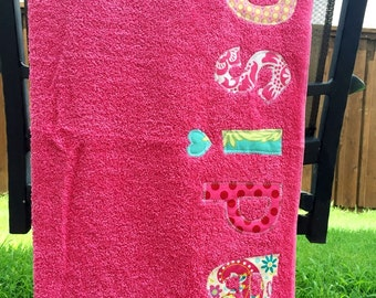 Girls Personalized Towel - Birthday gift, Bath Towel, Swim Towel, Beach Towel, Party Favors - by Green Apple Boutique