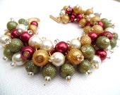 Christmas Bracelet, Vintage Christmas Colours, Chunky Bracelet, Red Green Gold Ivory, Christmas Jewelry, Beaded Bracelet, Gift Idea For Her