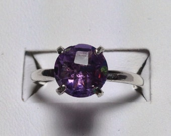 Amethyst and silver solitare ring -size 6