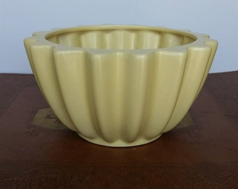 Butter Yellow Vintage Round Ribbed Pottery Planter