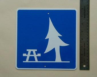 Aluminum Roadside Park