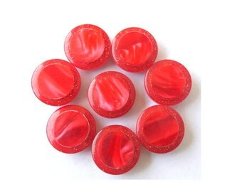 7 Buttons, beautiful 2 red shades plastic buttons, vintage buttons, 14mm