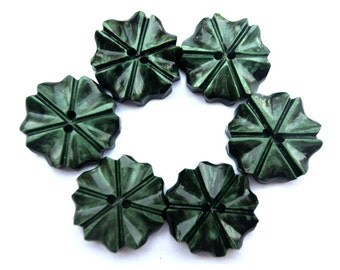6 Vintage flowers buttons plastic 18mm, unique green, RARE