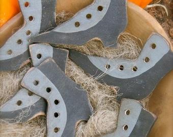 Witches Boot Thread Holder - wooden folk art - sewing needful - from ©Notforgotten Farm