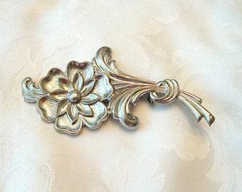 Vintage Flower Brooch Silvertone Large