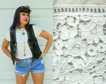 SALE 1970s Vintage White Lace Crop Top Button Back Lace Panels Button Up Square Blouse Short Sleeves White Linen Shirt Size Small