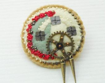 Felt Pin  Gears - Clockwork Beaded Gear Brooch in Camel, Jade Green, Off White, Cherry Red