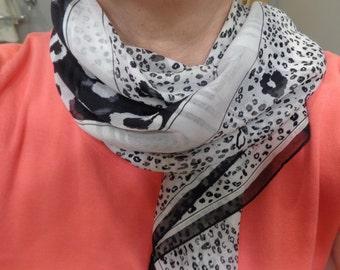 Vintage black and white leopard print scarf