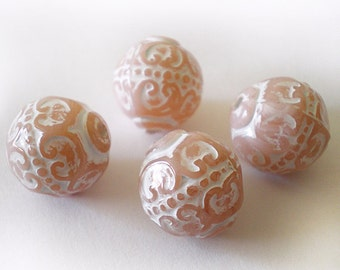14mm Aged Pale Pink White Etched Ornate round acrylic beads - 6pcs