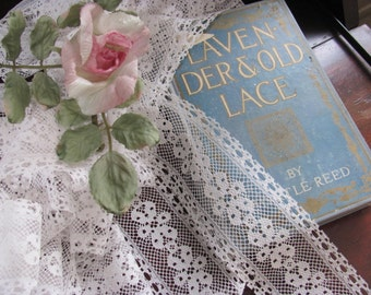 7 Yards White Lace, Trim, Large Flower, 7 Yards, Wider Lace