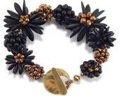 Black and Gold Flower Bracelet Kit, Beaded Bead DIY Kit, Black Gold
