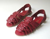 80s vintage Red Woven Leather Huarache Sandals / Apostrophe / made in Brazil