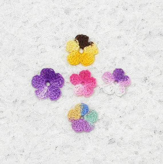 Appliques, handmade, flowers, craft supplies, scrapbooking, crocheted, variety of colors, needlework, sewing. Pick your 6pk.