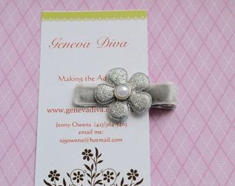 Silver Glitter Vinyl Flower Clip