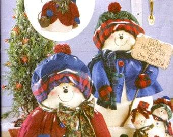 Butterick 5785 Sewing Pattern - Snowflake Family - Christmas Decorations