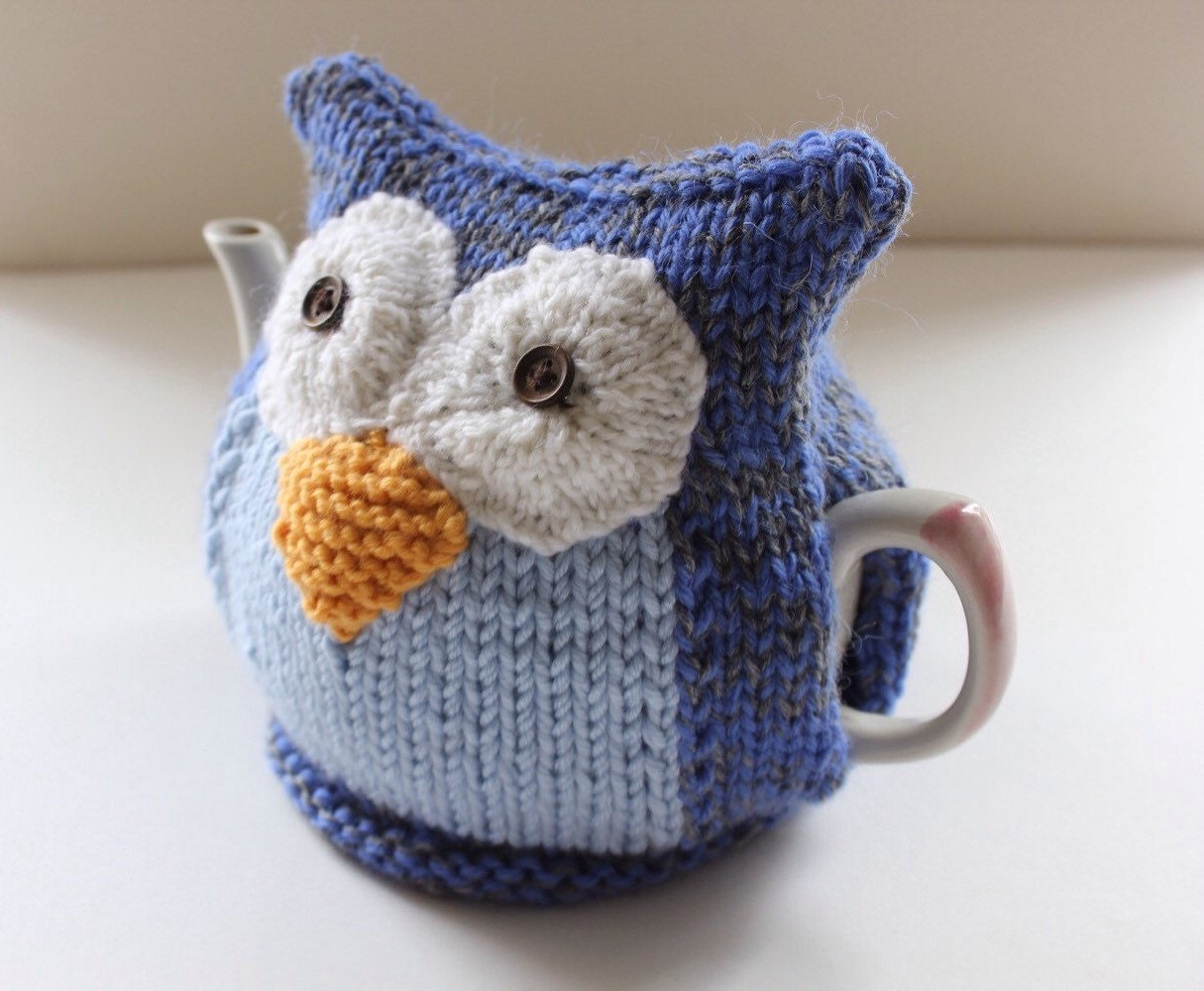 Owl Tea Cosy CLYDE in pure wool by Tafferty Designs