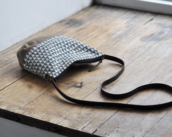 MID DAY BAG - grey triangle