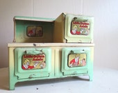 Vintage 1930s Marx and Company Little Orphan Annie Green Metal Stove Toy