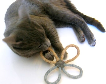 Sisal and Wool Cat Toy -  Chewing and Batting - Wool Cat Toy - Sisal Cat toy