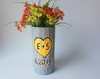 Custom Couple Gift / Gray Vase with initials carving / date vase / Personalized gift / wedding gift / customized vase / made-to-order