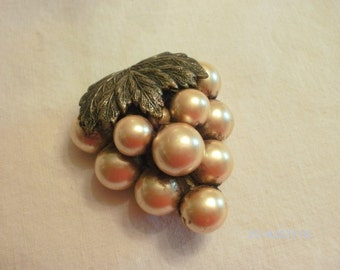 Vintage single Faux Pearl Dress clip In a Grape Custer