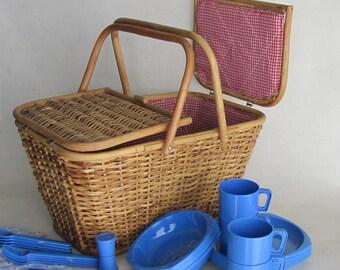 Vintage Picnic Basket - Summertime - glamping