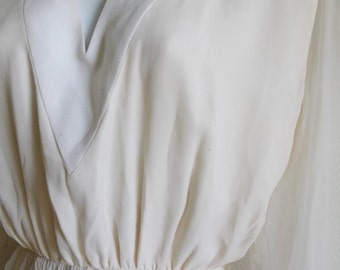 Pierre BALMAIN Haute Couture numbered ivory silk chiffon dress with linen neckline and cuffs