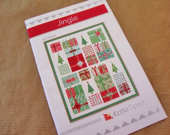 JINGLE Quilt Pattern - Kate Spain - Fat Quarters Quilt Pattern - Christmas Quilt Pattern - Xmas Tree Presents Quilt
