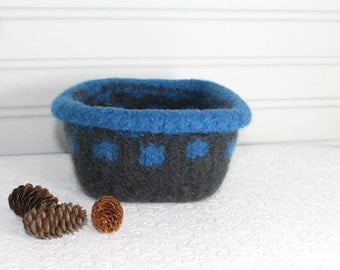 Gray and Blue Wool Felt Storage Basket, Knit Basket, Boiled Wool Gray Blue Basket, Grey Storage Basket, Soft Wool Storage, Square Felt Bowl