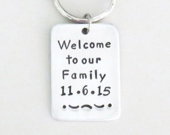 Welcome gift for groom or bride - Wedding gift for son-in-law or daughter-in-law - Handmade keychain keyring - Welcome to our Family