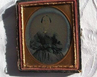 Half Case Ambrotype Lady w/ Fingerless Lace Gloves