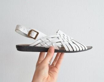 SALE / Vintage 1980s white woven leather sandals / 7.5