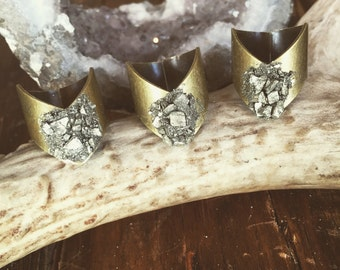 Chevron Pyrite Stone Ring/ Crushed Pyrite Ring/ Stone Ring/ Crystal Cocktail Ring/ Natural Gem Stone/ Geode Ring/ Fools Gold Jewelry/ Boho