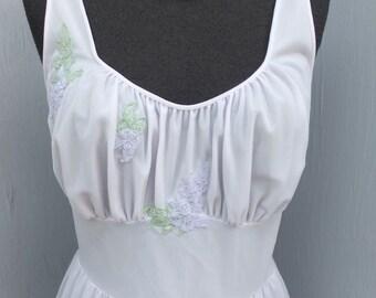Pretty Lavender Chiffon Nightgown Van Raalte Nightgown / Lilac, Size 34 Bust