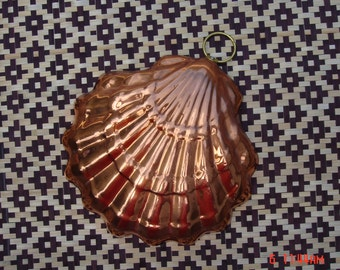 Vintage Clam Shell Copper Mold - Made in Korea
