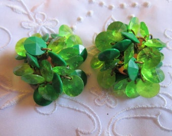 Vintage Emerald and Lime Green Glass Flat Beads Clip On Earrings