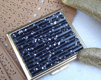 Vintage Powder Compact Hollywood Regency Black Silver Confetti Lucite unused 1960s (AAC)
