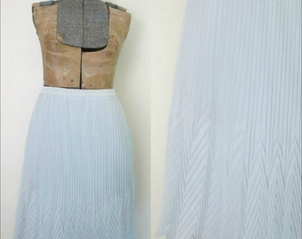 Chiffon Pleated Skirt // Vintage 1970s Arrow Pleats // Silver Gray Dressy