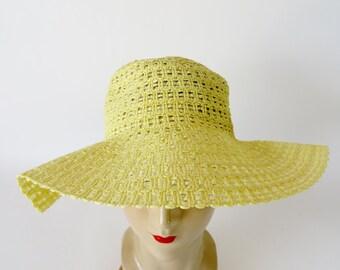 Vintage Hat / 1960s Hat 1970s Hat / Boho Hat Floppy Hat Sun Hat / Yellow Hat Straw Hat